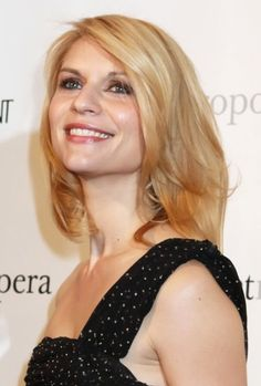 Claire Danes gorgeous, blonde hairstyle