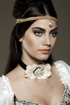 Foto: Vitor Shalom  Beauty: Camila Adi  Para o concurso Conexão Beauty Avon.   Vencedora do 1o. ligar na categoria Publicidade.