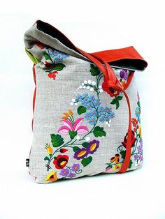 Folk Embroidery Ideas pillow recycling from Grandma classic hungarian embroidery More - Embroidery Bags, Folk Embroidery, Vintage Embroidery, Embroidery Stitches, Embroidery Designs, Hungarian Embroidery, Fabric Bags, Fabric Handbags, Chain Stitch