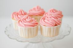 cupcakes pink images, image search, & inspiration to browse every day. Cupcakes Roses, Sweet Cupcakes, Love Cupcakes, Cupcake Cakes, Coral Cupcakes, Colored Cupcakes, Vanilla Cupcakes, Wedding Cupcakes, Wedding Desserts