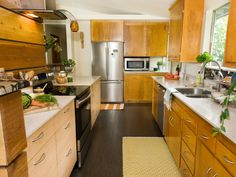 A Seattle couple minimizes waste by finding ways to reuse materials throughout their kitchen.