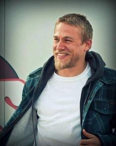 Charlie Hunnam... that is a beautiful man. Yes, I'm obsessed. Get over it. lol :)