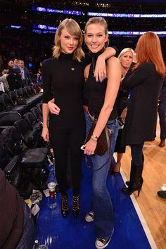 Taylor Swift and Karlie Kloss - Celebrities Long Live Taylor Swift, Taylor Swift Style, Taylor Alison Swift, Celebrities At Basketball Games, Bff, Taylors Falls, Tall Girl Fashion, Basket Ball, Karlie Kloss