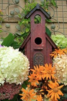 Aiken House Gardens: Fall Relaxation