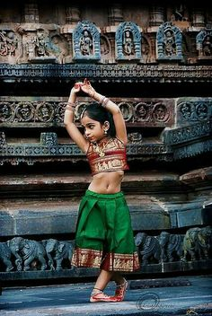India is an incredible country having diverse culture, customs, and colors. Being the epitome of the world, India has become a must-to-visit place for Cultures Du Monde, World Cultures, Bollywood, Beautiful Children, Beautiful People, Simply Beautiful, Beautiful Places, Beautiful Pictures, Tiny Dancer