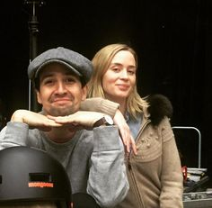 [Lin-Manuel Miranda and Emily Blunt in rehearsal for Mary Poppins Returns] Alexander Hamilton, Mary Poppins, Anthony Ramos, Hamilton Lin Manuel Miranda, Emily Blunt, Queen Of Hearts, Hugh Jackman, Beautiful Actresses, Actors & Actresses