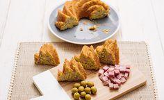Bundt Cake salado de jamón y aceitunas, receta paso a paso aquí: http://www.lecuine.com/blog/bundt-cake-salado-de-jamon-y-aceitunas/