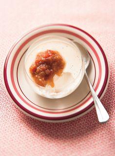Panna cotta à la vanille et compote de rhubarbe