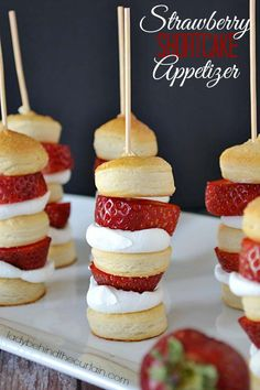 Cool and Easy Recipes For Teens to Make at Home - Strawberry Shortcake Appetizer Kabobs - Fun Snacks, Simple Breakfasts, Lunch Ideas, Dinner and Dessert Recipe Tutorials - Teenagers Love These Fun Foods that Are Quick, Healthy and Delicious Ideas for Meals http://diyprojectsforteens.com/diy-recipes-teens