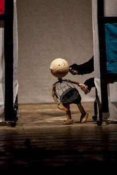 Il Pickwick - Pensie - Il Pickwick - Pensieri al cospetto di una marionetta --- #Theaterkompass #Theater #Theatre #Schauspiel #Tanztheater #Ballett #Oper #Musiktheater #Bühnenbau #Bühnenbild #Scénographie #Bühne #Stage #Set