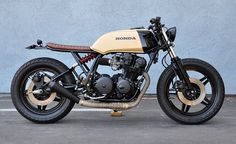 BRAT | instagram.com/bratcafe 'Mean Mr. Mustard' Monoshock 1980 CB750 dohc brat Build by Brady Young at Seaweed & Gravel