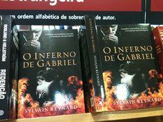 Um dos melhores livros que li agora em português nas livrarias...