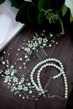 Bridal hair comb Pearl Bridal headpiece Bridal hair piece