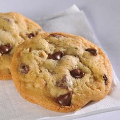This famous classic American cookie is a treat no matter what the age or occasion.  Enjoy it with a glass of cold milk.  First, butter and sugar then add eggs vanilla.  Then all other small things.  After flour. 375@10