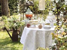 Garden wedding/party table - love the lace lanterns Decoration Buffet, Table Decorations, Garden Wedding, Wedding Table, Fresco, Wedding Hall Decorations, Deco Champetre, Wedding News, Garden Landscape Design