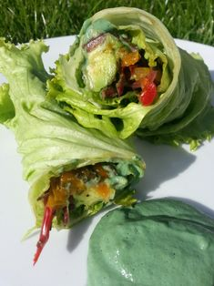 RAW VEGAN GLUTEN FREE AVOCADO AND VEGETABLES WRAPS