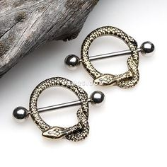 A Pair of Golden Serpent Snake Nipple Shield Ring - Piercings Helix Piercings, Body Piercings, Body Jewelry, Unique Jewelry, Jewelry Accessories, Septum Jewelry, Jewelry Ideas, Piercings Industrial, Serpent Snake