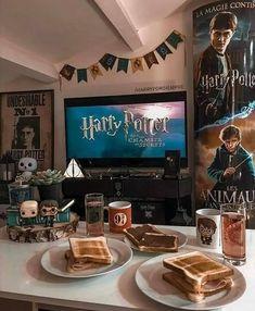 """Mi piace"": 37.7 mila, commenti: 244 - Harry Potter {hogwarthing} (@hogwarthing) su Instagram: ""Harry Potter marathon 😍😍😍 . Credit: @melmagicworld . . . . . . . . . . . . . . Follow 😍…"""
