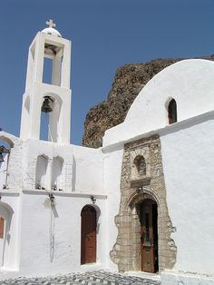 Church of Taxiarchis, Megalo Chorio, Tilos Greece Places To Travel, Places To Go, Empire Ottoman, Places In Greece, Visit Greece, Country Maps, Greece Islands, In Ancient Times, Romanesque