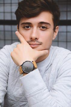 Best Watches For Men, Cool Watches, Makeup Trends, Wood Watch, Daniel Wellington, Client, Fashion Beauty, Boutique, Renaissance