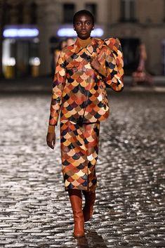 Fall 2021 Fashion Trend: Patchwork [PHOTOS] – WWD Fall Fashion Trends, Fashion News, High Fashion, Fashion Show, Autumn Fashion, Gabriela Hearst, Fashion Collage, Fall Collections, Kimono Top