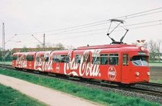 Coke train- All Aboard for Happiness! Coca Cola Ad, Always Coca Cola, World Of Coca Cola, Clash Of Clan, Vintage Coke, Vintage Design, Energy Drinks, Coco, Sodas