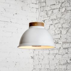 Suspended luminaires of the Urban light series are an integral part of modern design. A harmonious combination of metal and wood makes them unusual and spectacular. Products in this style are practical, reliable, concise and stylish at the same time. Lamps Urban light set the rhythm of the