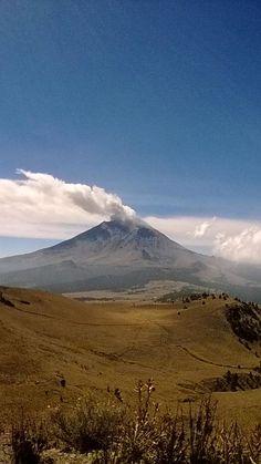 """@rodynowsky: Asi la vista del Popocatépetl desde altzomoni """