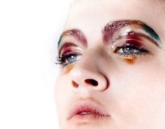 I'm really loving this exciting, colorful, wet, glossy eye makeup created by Norishige Shirataki (Noli).
