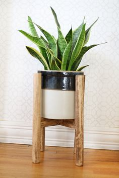 Wood Plant Stand | Could make with the wood dowels and copper piping