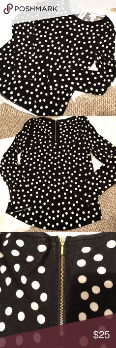 """Chico's size 0 polka dot sweater Super cute Chico's sweater, in like new condition! No signs of wear. Very soft material! Bust: approx 16"""" across. Length: approx 25"""". Gold zipper in back. Chico's size 0 is equivalent to a size 4. Chico's Sweaters Crew & Scoop Necks"""