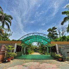 Entrance to Taman Botani Labuan (Botanical Gardens) Mount Kinabalu, Garden Entrance, Labuan, World Famous, Borneo, Herb Garden, Botanical Gardens, Conservation, Mansions