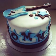 Rock Star Cake    http://www.modern-baby-shower-ideas.com/rock-star-baby-shower.html