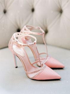 hochzeitsschuhe pink 10 Pretty in Pink Shoes to Pair with Your Perfect White Wedding Dress - Blush Pink Wedding Shoes, Wedding Heels, Bridal Shoes, Blush Shoes, Blush Weddings, Gold Shoes, Pretty Shoes, Beautiful Shoes, Cute Shoes