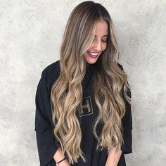 185 отметок «Нравится», 8 комментариев — Priscilla Cardenas (@hairbypris) в Instagram: «I wish I could hair paint virgin hair all day long #hairpainting #balayage #highlights #brunette…»