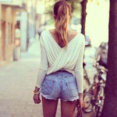 """Tendencias """"cut off"""" consiste en customizar prendas viejas y adaptarlas a las nuevas tendencias y modas actuales."""