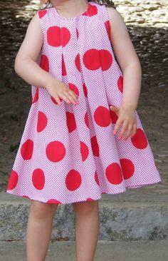 Robe ALULA sans col, livre Grains de Couture pour Enfants, Ivanne.S, by Petit Scarabée