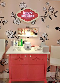 The Taming Of the Brow -The Benefit Brow Bar Experience