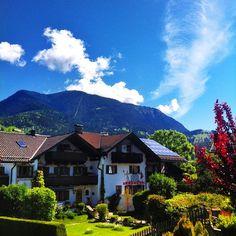 Endlich wieder #sonne in #garmisch #partenkirchen #wank #sunny #warm #berge #mountains #bayern #bavaria #werdenfels #nature #landscape #landscape_lovers #Padgram