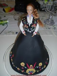 Bunadkake Barbie Cake, Barbie Dolls, Fairy Cakes, Cute Cakes, Creative Cakes, Food Inspiration, Chocolate Cake, Wedding Cakes, Doll Cakes