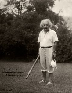Casi todo el mundo conoce a Albert Einstein, el desarrollador de la teoría de la relatividad, entre otros logros, ya que este ganador del Premio Nobel hizo mucho por el mundo de la ci... New Jersey, Nlp Techniques, Nobel Prize In Physics, Philosophy Of Science, Modern Physics, Theoretical Physics, Nobel Prize Winners, Theory Of Relativity, Foto Casual