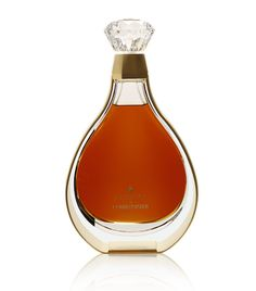 Courvoisier L'Essence [Balanced and rounded palate with flavours of toffee, marzipan, and honey, the long finish leaves sweet spices lingering in the mouth.]