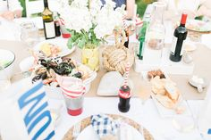 These Picture Perfect Summer Picnic Ideas will make it easy for you to create a beautiful outdoor meal or celebratory moment. Outdoor Dinner Parties, Outdoor Entertaining, 40th Birthday Decorations, Seaside Decor, Dinner Themes, Outdoor Food, Family Picnic, Market Baskets, Summer Picnic