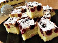 Prajitura cu cirese, un deliciu | Lia vă găteşte Romanian Desserts, Romanian Food, No Cook Desserts, Healthy Desserts, Cake Recipes, Dessert Recipes, Good Food, Yummy Food, Cake Cookies