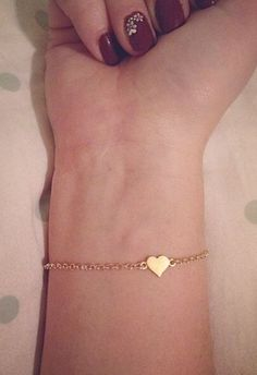 Heart Bracelet in gold Dainty Jewelry, Cute Jewelry, Gold Jewelry, Jewelery, Amber Jewelry, Handmade Jewellery, Jewelry Trends, Jewelry Accessories, Fashion Accessories