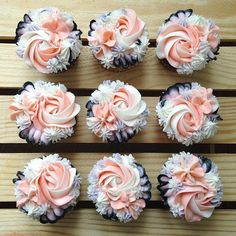 - Torten&Kuchen - Best Picture For cupcakes For Your Taste You are looking for something, and it is going to tell y - Cupcakes Flores, Floral Cupcakes, Fancy Cupcakes, Pretty Cupcakes, Wedding Cakes With Cupcakes, Cupcake Cakes, Cupcake Wedding, Cupcake Piping, Cupcake Bouquets