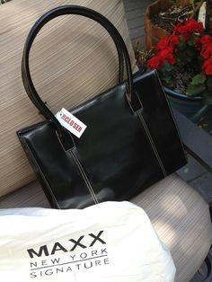 Just like Brenda Leigh Johnson's handbag from The Closer...