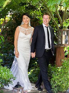 Mark Zuckerberg and Priscilla Chan: How they pulled off their surprise wedding - The Reliable Source - The Washington Post Celebrity Wedding Photos, Celebrity Couples, Celebrity Weddings, Celebrity News, Wedding Dress Prices, Wedding Dresses Photos, Wedding Gowns, Wedding Ceremony, Wedding Ring