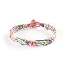 Wakami Complements är en serie armband med 2015 års sommarfärger. Här en riktigt glassig glädjespridare. Fungerarfintsom komplemet till All One-armbandet