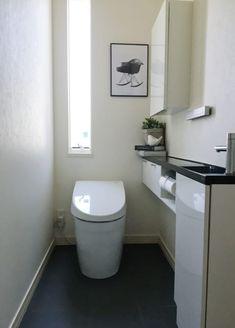 【連載】明るく清潔に!トイレのモノトーンインテリアと収納 | folk